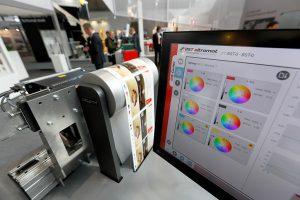 Durch die Kooperation mit ColorWare wurde die Möglichkeit geschaffen, in der Druckvorstufe alle erforderlichen Daten für die inline Spektralfarbmessung mit iPQ-Spectral von BST eltromat vorzubereiten. (Foto: BST eltromat)
