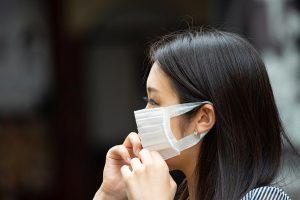 Mondi passt seine Produktionslinie in Deutschland an, um dringend benötigte Komponenten für Gesichtsmasken herzustellen. (Foto: Mondi)