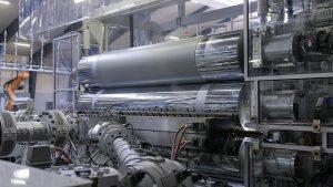 Das Präzisionsglättwerk ist mit speziellen Hochleistungswalzen ausgestattet. (Foto: battenfeld-cincinnati)