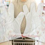 Einweghandschuhe aus dem biobasierten Kunststoff M-Vera für Folienanwendungen. (Foto: Bio-Fed)