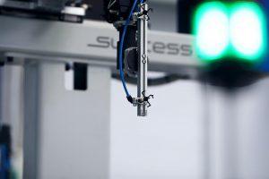 Ergänzt werden die Maschinen durch Sepro-Automatisierungslösungen. (Foto: Deckerform)