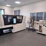 Im neuen Systemcenter für Industrielle Temperiertechnik (SIT) können sich Spritzgießer, Werkzeugbauer und Produktentwickler aus erster Hand über die Leistungsfähigkeit des Z-Systems informieren. (Foto: Hotset)