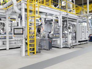 Die EdelweissCompounding-Anlage mit zwei Zweischneckenextrudern ZE 65 Blue Power ist für eine Maximalleistung von rund 2.000 kg/h ausgelegt. (Foto: KraussMaffei)