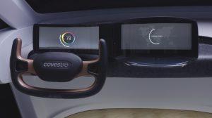 Das bisher größte dreidimensionale OLED-Display als Schnittstelle zwischen Mensch und Auto bietet optische Qualität, Widerstandsfähigkeit und Designanspruch. (Foto: Covestro)
