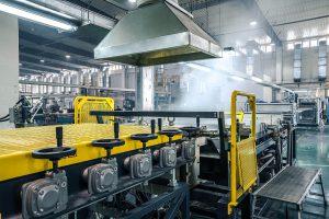 Auf den Pultrusionsanlagen von ProTec fertigt Sunway LFT-Pellets hocheffizient und automatisiert. (Foto: ProTec Polymer Processing)