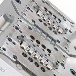 Werkzeug mit 16 Kavitäten und zwei TFS-Linear Düsen mit 4+4 Einspritzpunkten. (Foto: Thermoplay)