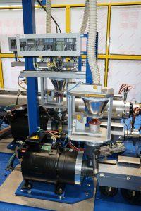 Mit den High-Torque-Motoren DST2-200 lassen sich hohe Drehmomente und eine präzise Drehzahlregelung realisieren. (Foto: Baumüller)