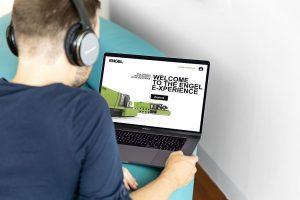 Messebesuch vom Sofa aus: Engel bietet ein virtuelles und interaktives Messekonzept. (Foto: Engel)