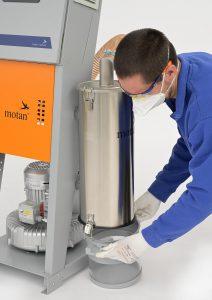 Der moderne Zyklonfilter mit transparentem Staubsammelbehälter lässt sich schnell reinigen. (Foto: Motan)