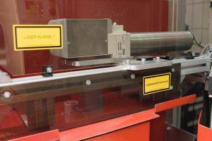 Der Lasermarkierer eSolarMark FL arbeitet mit einer Leistung von 20 W. (Foto: Bluhm Systeme)