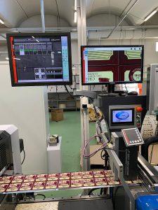 Zur Standardausrüstung der Druckmaschinen von Etigraph Italia gehört das digitale Videoüberwachungssystem PowerScope 5000. Zwei der Druckmaschinen sind zudem mit dem Registerregler AR 4000 ausgestattet. (Foto: BST eltromat)