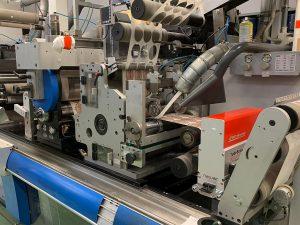 In seinen neueren Maschinen setzt Etigraph Italia auf die TubeScan digital strobe-Systeme der neuesten Generation, die leistungsstarke Flächenkameras mit dem Stroboskop-Prinzip kombinieren. (Foto: BST eltromat)