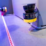 Durch Scannerabsicherung ist ein Arbeiten ohne Schutzgitter möglich. (Foto: Desma)