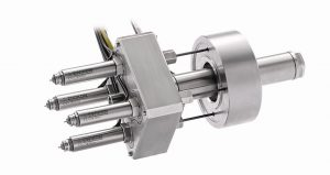 Das 4-fach-Nadelverschlusssystem L2X-Mikro für Kleinspritzgießmaschinen verlangt wenig Platz und bietet eine hohe thermische Performance. (Foto: Ewikon)