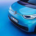 Röhm: PMMA für Lichtinszenierung am Elektro-VW