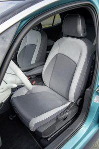 Die aus Recyclingmaterial hergestellte Mikrofaser Dinamica kommt u. a. im Innenraum des VW ID.3 zum Einsatz. (Foto: Volkswagen)