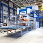 Die neue LFT-D-Linie soll größere thermoplastische Bauteile in hohen Stückzahlen herstellen. (Foto: Dieffenbacher)