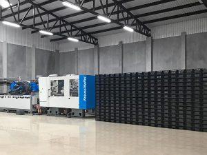 137.000 Kisten pro Monat: Mit der neuen MX 1000 wurde die Produktion um mehr als 200 Prozent gesteigert. (Foto: KraussMaffei)