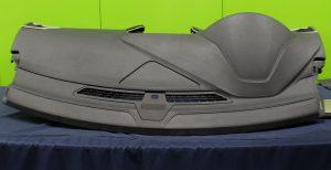 Die Instrumententafelhaut demonstriert die Eignung von Dryflex HiF als Ersatz für PVC-Slush. (Foto: Kraton Corporation)