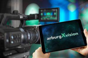 Mit dem neuen Digital-Format arburgXvision startet Arburg am 28. Januar 2021 – danach geht es im monatlichen Rhythmus weiter. (Foto: Arburg)