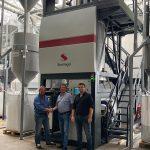 Christian Lovranich, Starlinger, mit Richard Wüllner und Andrzej Zajontz, Geschäftsführer von BTB PET-Recycling. (Foto: Starlinger)