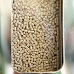 Die PEEK-Spezialpolymere können dank hoher Temperatur- und Chemikalienbeständigkeit und hoher Duktilität Metallbauteile ersetzen. (Foto: Evonik)