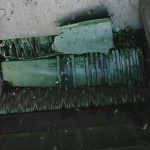 Blick in den Trichter auf die Zerkleinerung von Mülltonnen. (Foto: Weima)