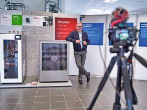 Geschäftsführer Clemens Dereschkewitz präsentiert gemeinsam mit seinem Team zur ISH die Neuheiten von Glen Dimplex Deutschland wieder auf digitalem Weg. (Foto: Glen Dimplex)