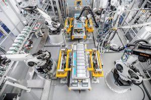 Kuka realisiert schon heute in Zusammenarbeit mit Webasto eine der modernsten Produktionsanlagen für Batteriesysteme. (Foto: Webasto)