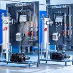 Das kompakte Aufbereitungsmodul sorgt für dauerhaft sauberes Prozesswasser – ohne Chemie und Verbrauchsmaterialien. (L&R Kältetechnik)