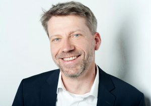 """Ingo Horster, CTO bei Krüger Aviation: """"Die Durchlaufzeit pro Werkstück hat sich um die Hälfte reduziert."""" (Foto: Krüger Aviation)"""