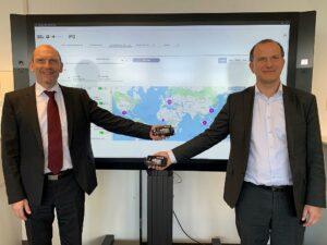 Dr. Jürgen Wenger und Dr. Axel Niemeyer vom Werkzeugmanagement der BMW Group setzen auf das Mould-Monitoring-System. (Foto: BMW Group)