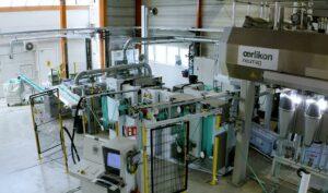 Im Technikum von IFG Asota laufen Versuche mit häufig wechselnden, auch biobasierten Faser-Rezepturen. (Foto: IFG Asota)