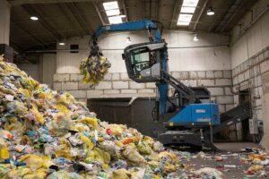 Mit über 32 Autosort-Anlagen von Tomra werden jährlich 250.000 t Kunststoffe aus Post-Consumer- und gewerblichen Abfällen verarbeitet. (Foto: Tomra)