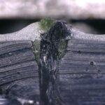 Unter dem Mikroskop ist die Abdichtung der Naht gut zu erkennen. (Foto: Frimo)