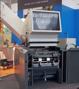 Blickfang auf dem Messestand ist die schallgeschützte RS 45090, die für Durchsätze von bis zu 900 kg/h ausgelegt ist. (Foto: Getecha)