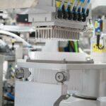 In der Hochleistungsautomation zur Befilterung von Pipettenspitzen erzielte Hekuma eine deutliche Produktivitätssteigerung. (Foto: Hekuma)