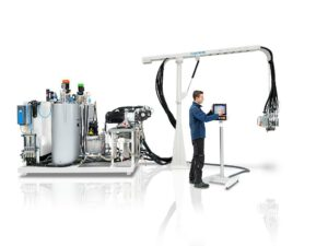 Polyurethan mischen und dosieren auf kleinstem Raum: Die Pumpenmaschine RimStar Smart benötigt nur 4,8 m² für die Kernkomponenten. (Foto: KraussMaffei)