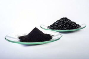 Das Schwarzpigment Bayferrox 303 T hat einen Reflektionsgrad bei NIR von 20 %. (Foto: Lanxess)